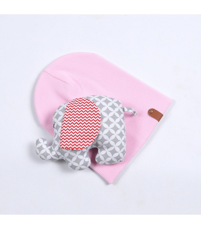 Шапочка на малыша розовая