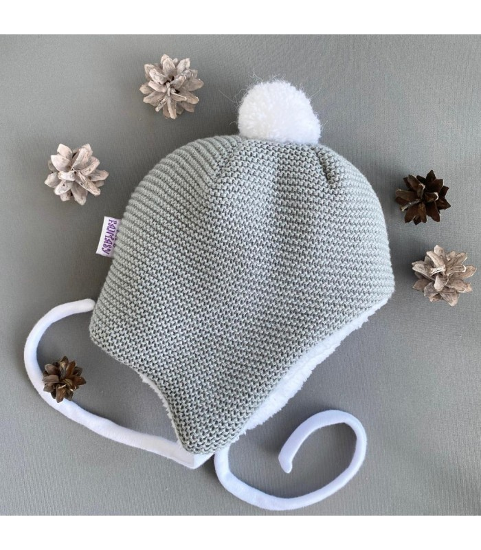 Зимняя шапочка на махре серая