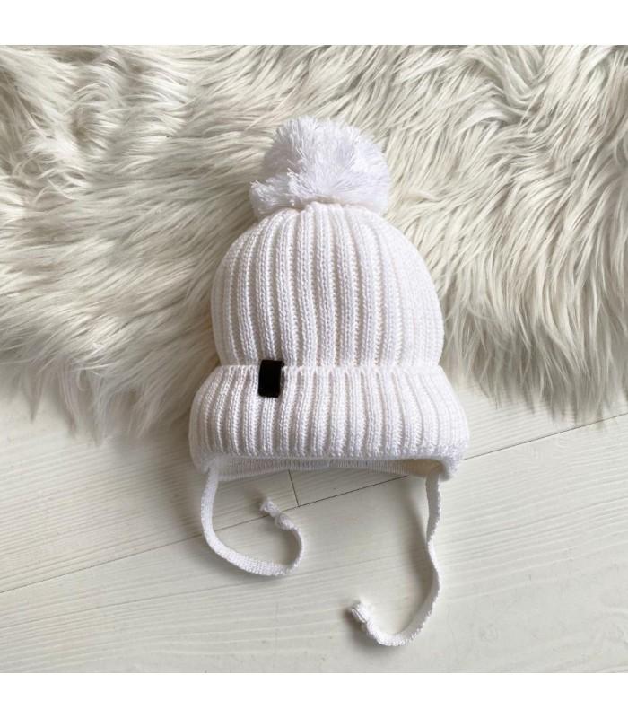 Зимняя шапочка вязаная молоко на махре для новорожденного