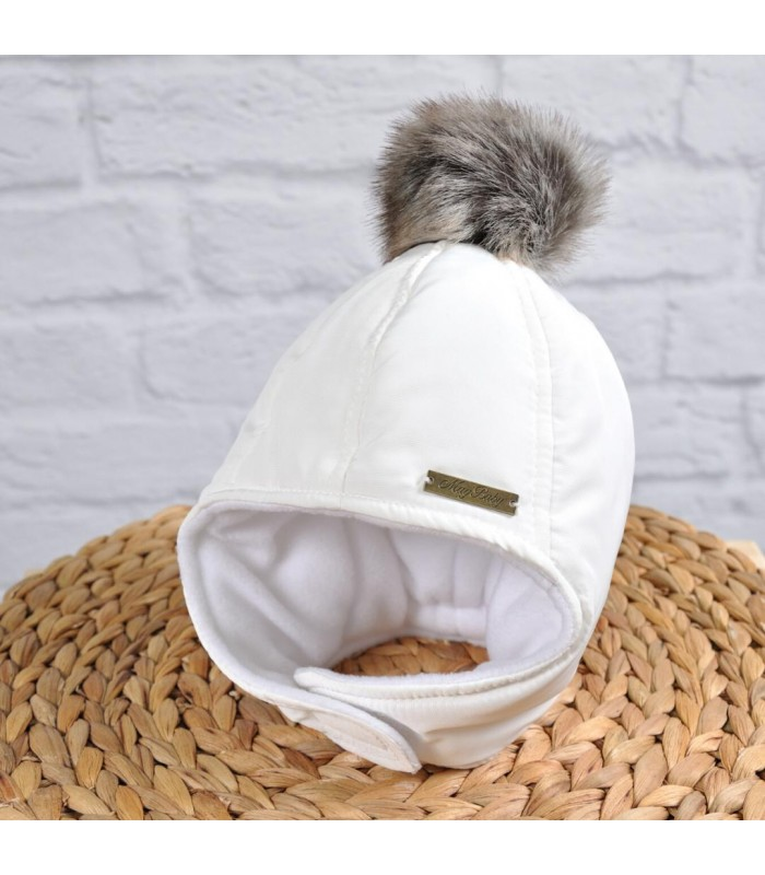 Зимняя шапочка молоко